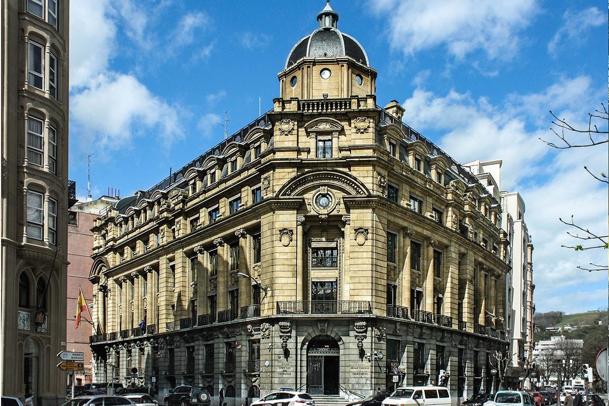 Oficinas sota aznar arquitectura bilbao for Oficinas bankia bilbao