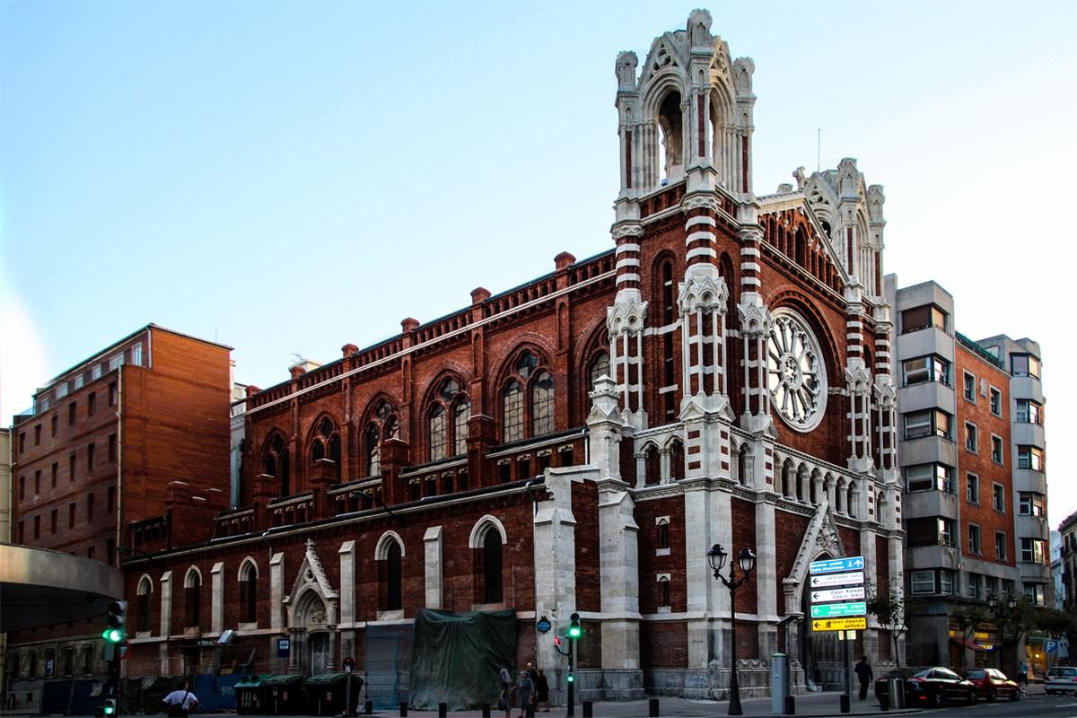 Iglesia de la residencia jesuita arquitectura bilbao for Residencia torres de la alameda